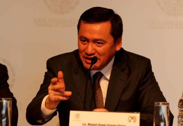 Urgente un marco legal para las policías comunitarias, asegura Osorio Chong. (Notimex)