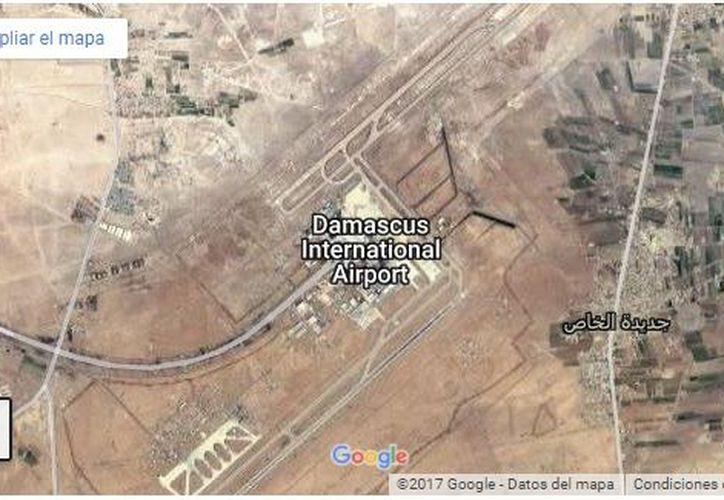 Durante la madrugada del jueves, hora de Siria, el aeropuerto internacional de Damasco fue atacado con bombas. (Google)