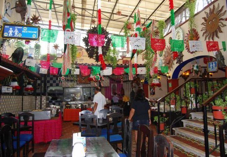 El año pasado, los restaurantes lograron 30% más de ocupación en las fiestas patrias. (Tomás Álvarez /SIPSE)