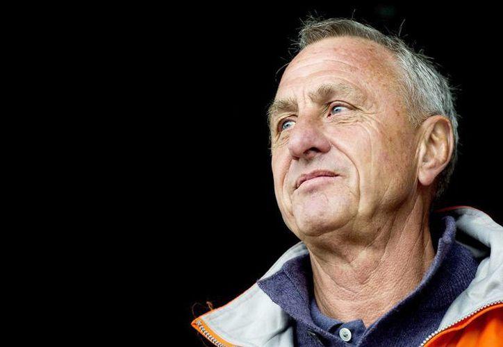 """Johan Cruyff, exentrenador del Barcelona e impulsor del """"futbol total"""", murió a los 68 años víctima de cáncer pulmonar, informó la vocera familiar, Carole Thate.  (EFE)"""