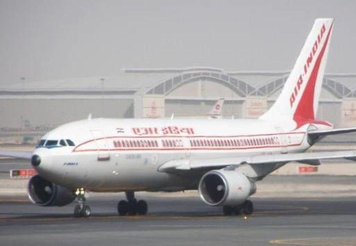 El mes pasado, una azafata provocó que fueran suspendidos varios integrantes de la tripulación de un avión de Air India. (Foto: flickr.com/ AlxTheRed)