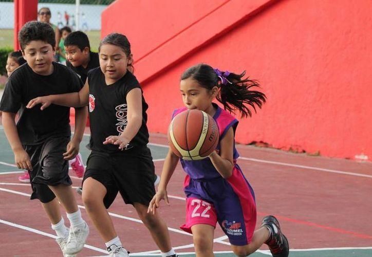 """Las actividades del torneo """"Por una Niñez Sin Violencia"""". (Cortesía/SIPSE)"""