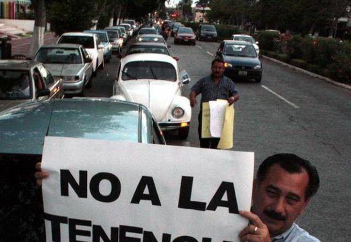 En 2011 en Yucatán, la entonces gobernadora Ivonne Ortega exentó del pago de la tenencia a vehículos con valor de $300 mil o menos. (Archivo/SIPSE)