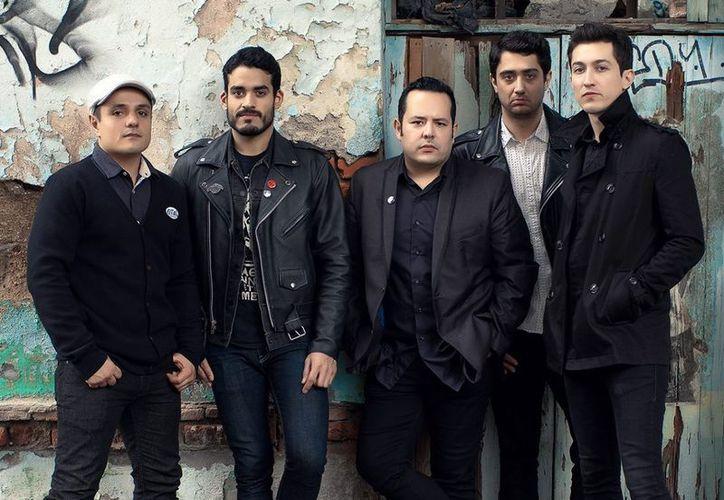 La banda de rock presnetó su nuevo sencillo 'Humanos como tú'. (Foto: contexto)