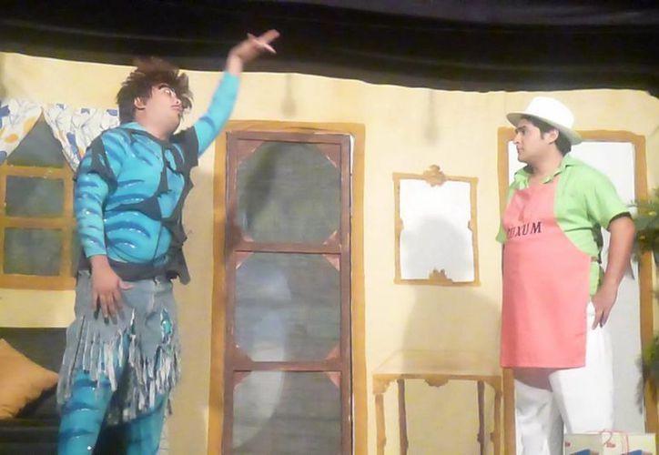 """La divertida obra """"Me gusta tu Pitahaya"""" se estrenó el sábado pasado en el Teatro Yucatán. (Milenio Novedades)"""