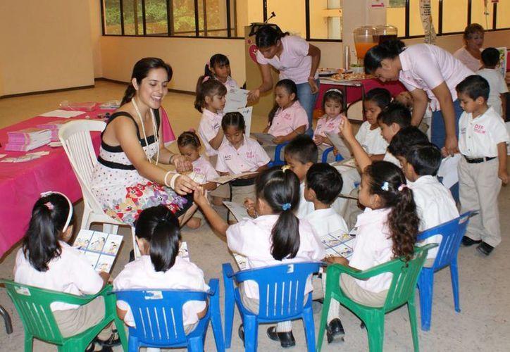 A través de los Centros de Asistencia Infantil Comunitarios se inculcan buenos hábitos en los pequeños. (Foto de contexto/Internet)