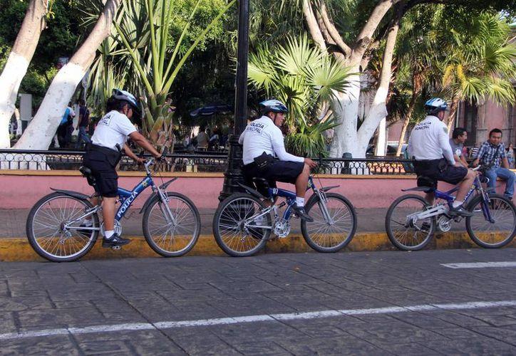 La Policía Municipal reforzará sus labores a pie, en bicicletas, motocicletas o a bordo de patrullas en el marco de las vacaciones de Semana Santa. (José Acosta/Milenio Novedades)