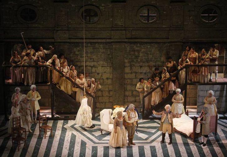 Imagen de la presentación de la ópera 'Las bodas de Fígaro' en el Teatro José Peón Contreras. (Jorge González/SIPSE)