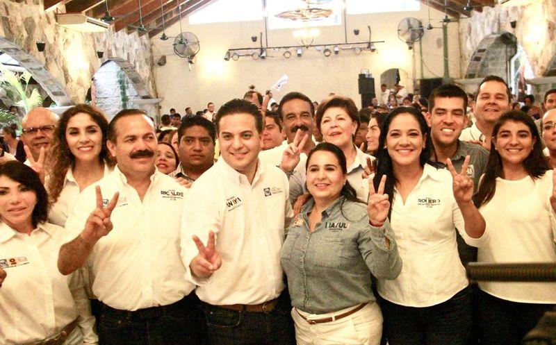 Damián Zepeda visita en Cancún para apoyar las campañas de los candidatos del Frente al Senado.