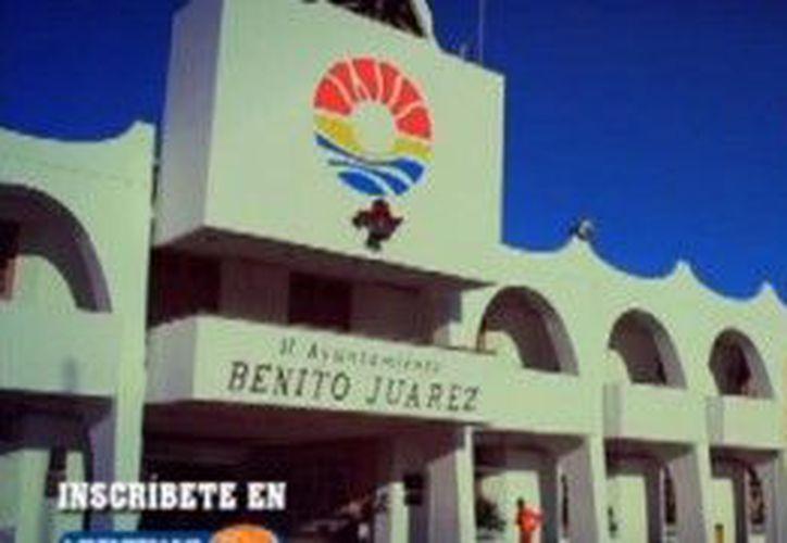 El Maratón Internacional de Cancún 2012, que tiene como objetivo difundir el deporte y fomentar la activación física. (Cortesía/SIPSE)