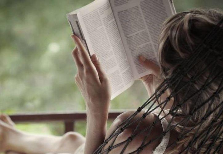 Si te cuesta trabajo terminar de leer un libro, este método puede servirte. (Entrepreneur)