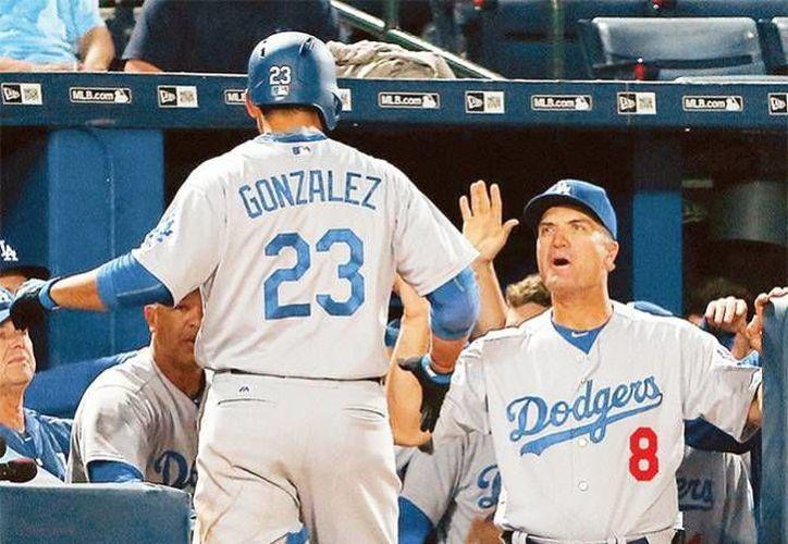 El mexicano se ubica como el mejor bateador de Dodgers, con 2 cuadrangulares y 10 carreras producidas en el inicio de la Temporada 2016. (AP)