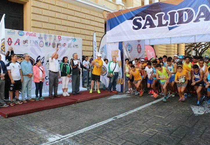 Las disciplinas de la carrera fueron de 10 kilómetros y caminata de 5 km.(Milenio Novedades)
