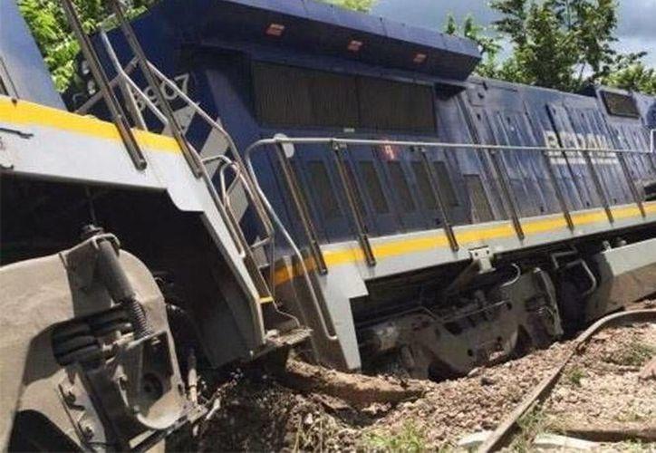 El tren saqueado llevaba una carga de cemento desde Coatzacoalcos, Veracruz, hacia Mérida, Yucatán. (Excélsior)