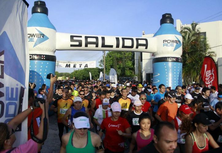 La competencia fue organizada por el  Colegio de Contadores de Yucatán. (Christian Ayala/SIPSE)