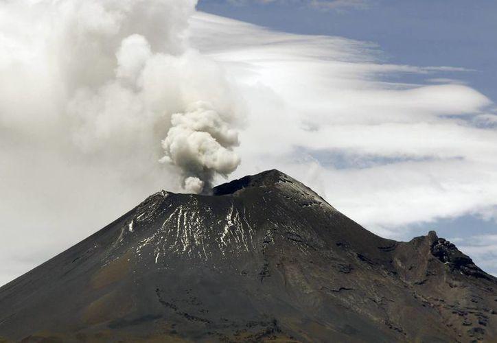 El semáforo de alerta volcánica permanece en Amarillo fase 2. (Notimex)