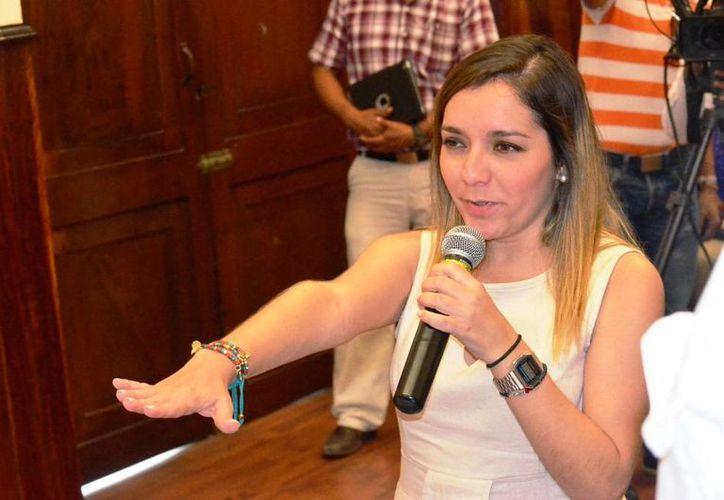 Ana Cristina Medina Calero rinde protesta como regidora. (SIPSE)