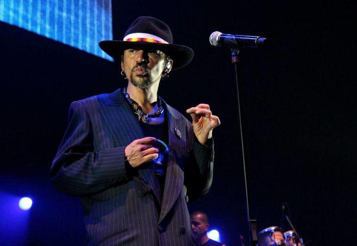 Roco, el vocalista de La Maldita Vecindad, anunció que en abril próximo concluirán la gira de celebración de 30 años de trabajo. (Notimex)