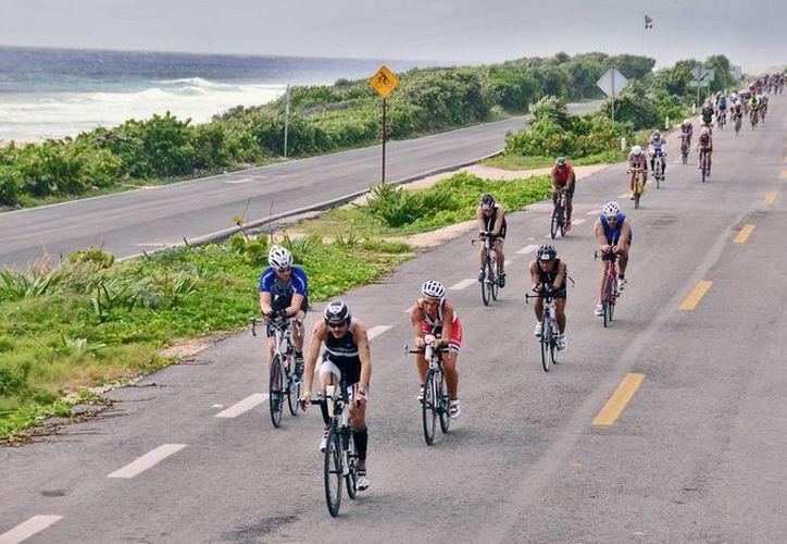 Los 45 atletas estarán del 1 al 11 de noviembre en Cozumel en su campamento de entrenamiento. (Redacción/SIPSE)