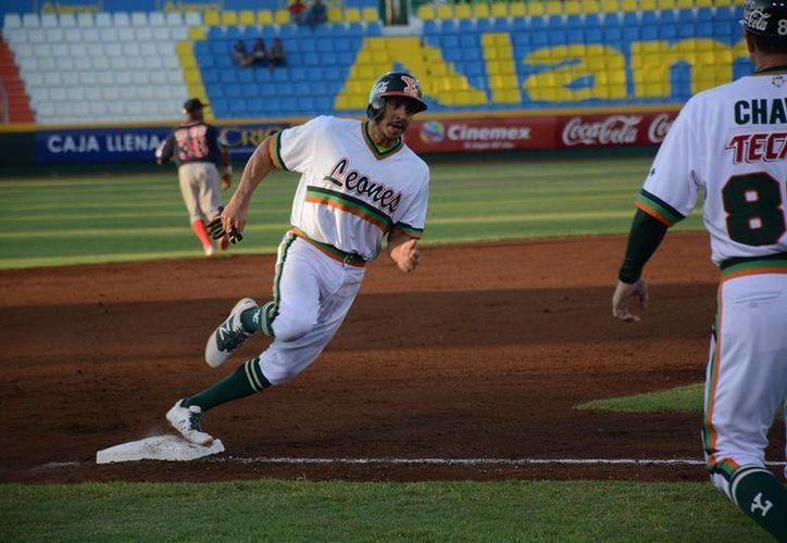 Con fuerza en el bat, los Leones de Yucatán consiguieron una nueva victoria que los ubica en el subliderato de la Zona Sur. (Facebook)
