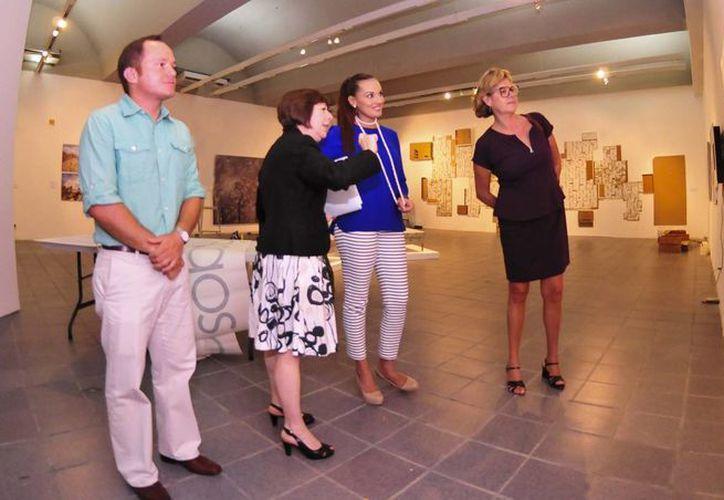 Lilián Villanueva (centro) el objetivo de impulsar la educación integral, a través de cultura y arte. (Harold Alcocer/SIPSE)
