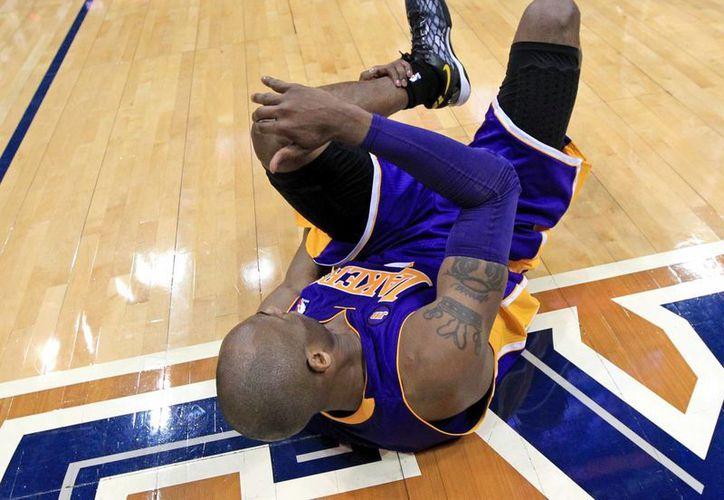 Bryant no podrá jugar por una buena temporada. (Agencias)