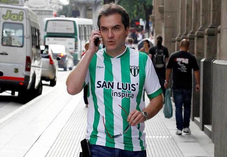 Carlos Ahumada asegura que el hombre le dijo que dejara en paz a la actual secretaria de Desarrollo Social, Rosario Robles. (twitter/@gustavojveiga)