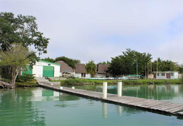 Las instalaciones de la Pista de Remo y Canotaje de Huay-Pix, se encuentran en lamentables condiciones. (Miguel Maldonado/SIPSE)