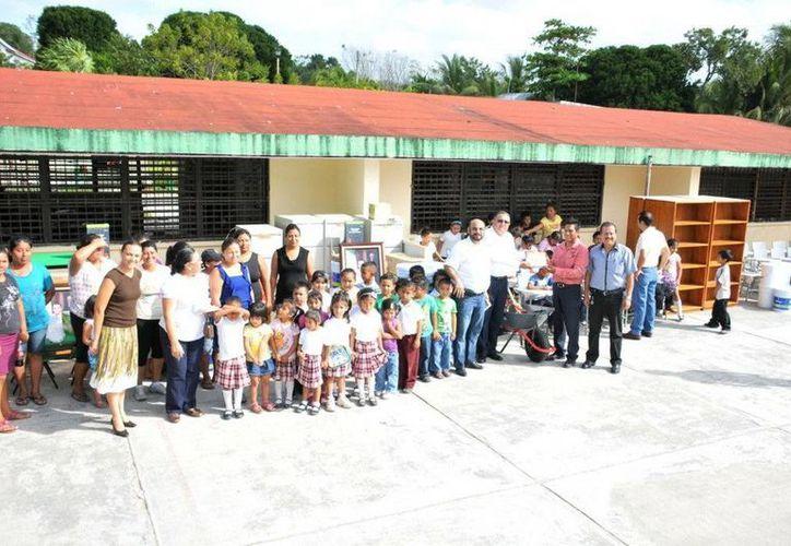 """La primaria """"Ignacio M. Altamirano"""" fue una de las instituciones beneficiadas. (Redacción/SIPSE)"""