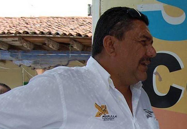 Imagen de Adalberto Fructuoso Comparán Rodríguez, exalcalde de Aguililla, Michoacán, quien fue atacado en la carretera estatal Apatzingán- Aguililla. (sinembargo.mx/Flickr)