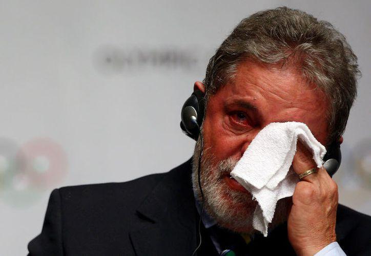 El ex presidente brasileño Luiz Inácio Lula da Silva fue condenado a nueve años y medio de prisión. (Sopitas).