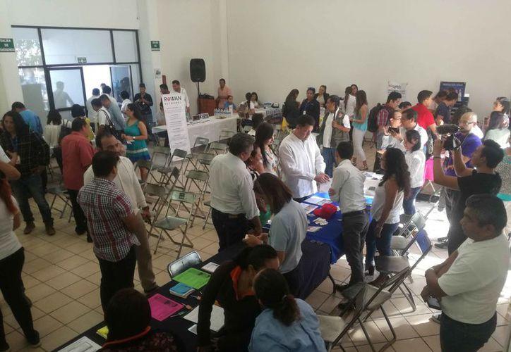 Las ferias del empleo ofertan puestos laborales en el sector turístico. (Daniel Pacheco/SIPSE)