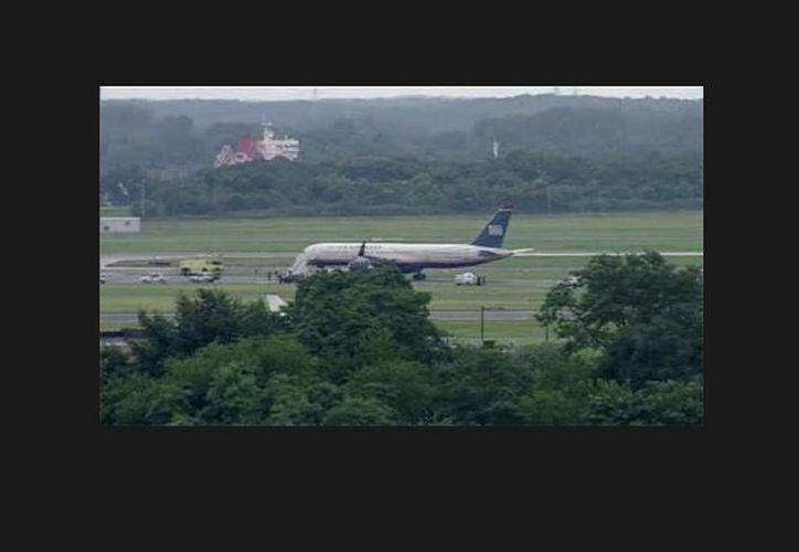 Según indican varios medios, 177 personas viajaban a bordo del avión Boeing 757. (twitter.com/SteveInMadrid)
