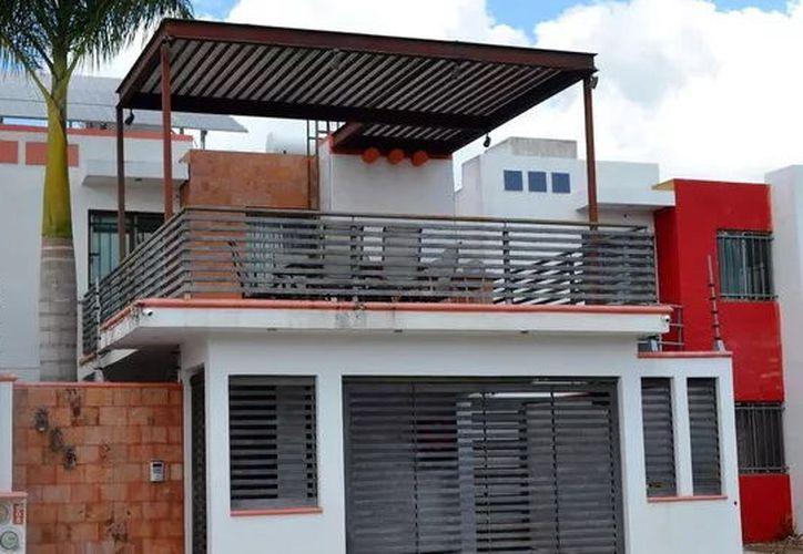 Cada vez más casas cuentan con paneles solares. (Foto: Milenio Novedades)