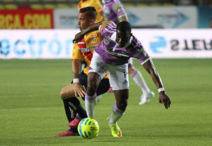 Morelia vino desde atrás y derrotó 3-2 a Chiapas. (Notimex)