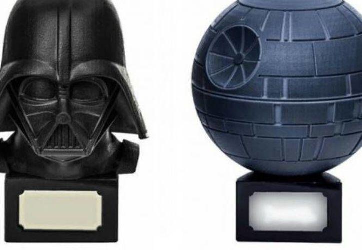 Una urna de <i>Darth Vader</i>, el señor oscuro de los <i>Sith</i>, puede contener los restos de algún familiar. (Excelsior)