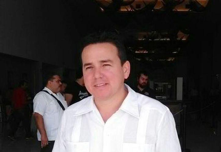 Miguel Enríquez Lopez dejó el cargo de la delegación de Infonavit en Yucatán y hoy fue nombrado como titular de la Sedesol federal. (Israel Cárdenas/SIPSE)