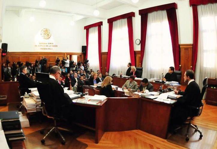 El gravamen del 16% al IVA en la frontera aprobado en el Senado en octubre de 2013 aún es motivo de estudio en la Suprema Corte de Justicia. (Notimex)