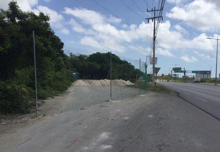 El retorno fue cerrado por el dueño del predio ubicado en la carretera. (Sergio Orozco)