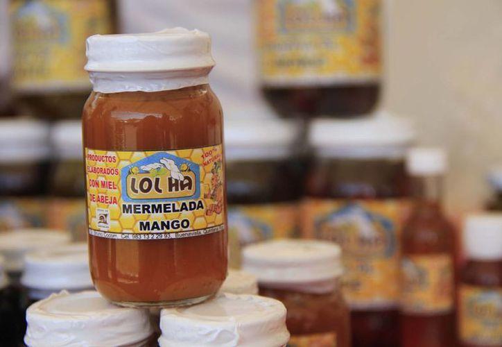 La miel también se utiliza para producir conservas, dulces y mermeladas. (Harold Alcocer/SIPSE)