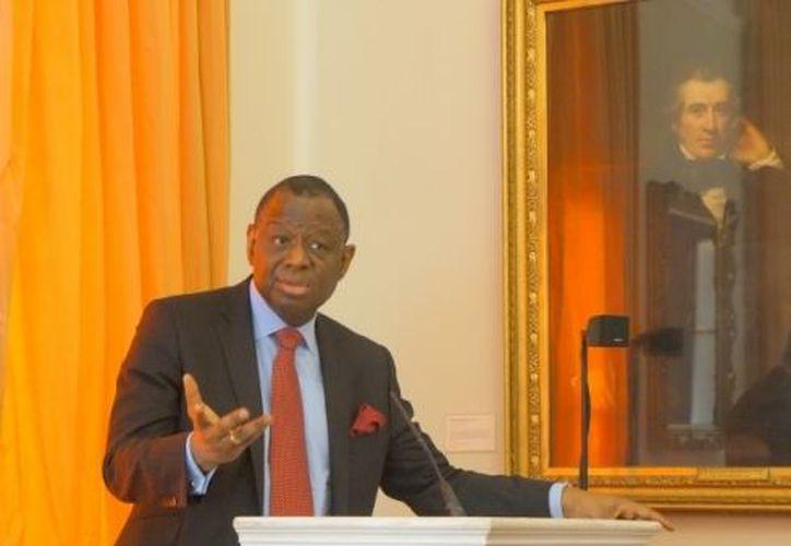 """""""La planeación familiar es un derecho humano, y por lo tanto debe estar al alcance de todos aquellos que la quieran"""", dijo el director del FNUAP, Babatunde Osotimehin. (Notimex)"""