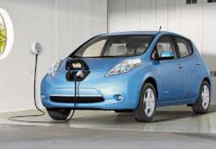 Nissan Mexicana registró en los últimos días un incremento de hasta 500 por ciento en las solicitudes de unidades eléctricas Leaf. (alvolante.info)
