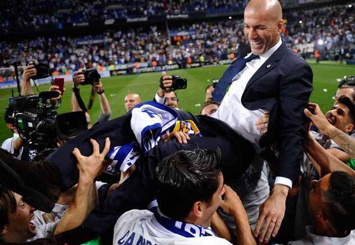 Real Madrid se siente agradecido con su Director Técnico. (Récord)