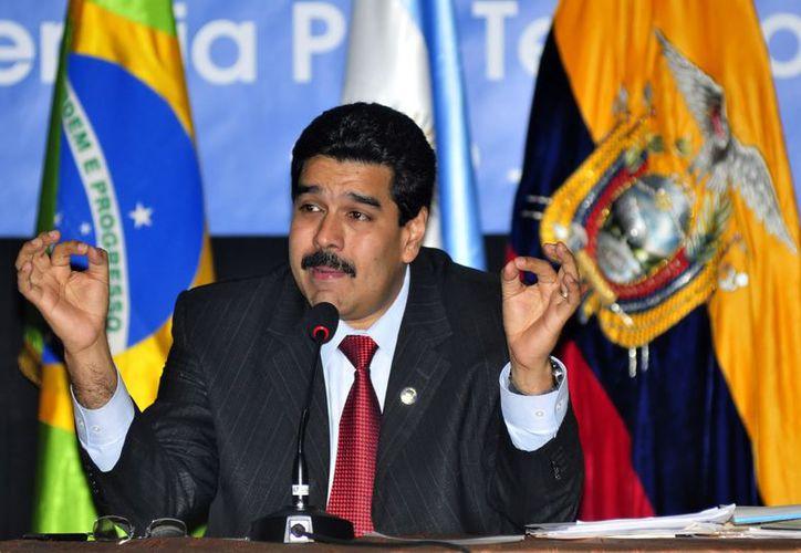 Maduro y la procuradora general de Venezuela, Cilia Flores, fueron recibidos en la isla por el canciller Bruno Rodríguez. (EFE/Archivo)