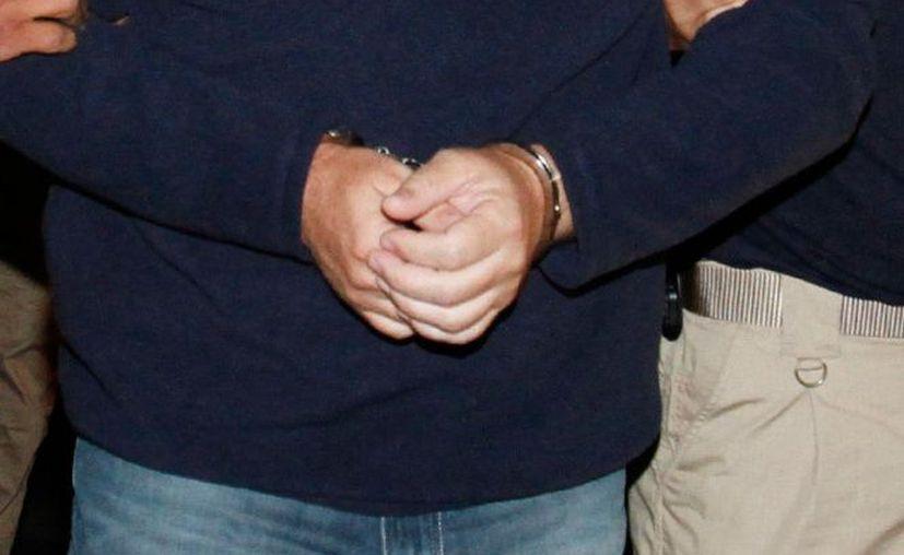 Un servidor público del Instituto Mexicano del Seguro Social (IMSS) fue detenido por pedir de manera ilegal 150 mil pesos a un contribuyente. (Contexto/Excélsior).