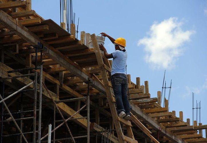 Este año, el sector de la construcción espera un crecimiento de 4%. (Wilberth Argüelles/SIPSE)