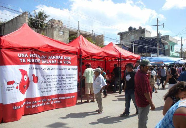 Durante la semana de promoción se lograron realizar 400 pruebas rápidas de VIH. (Daniel Pacheco/SIPSE)