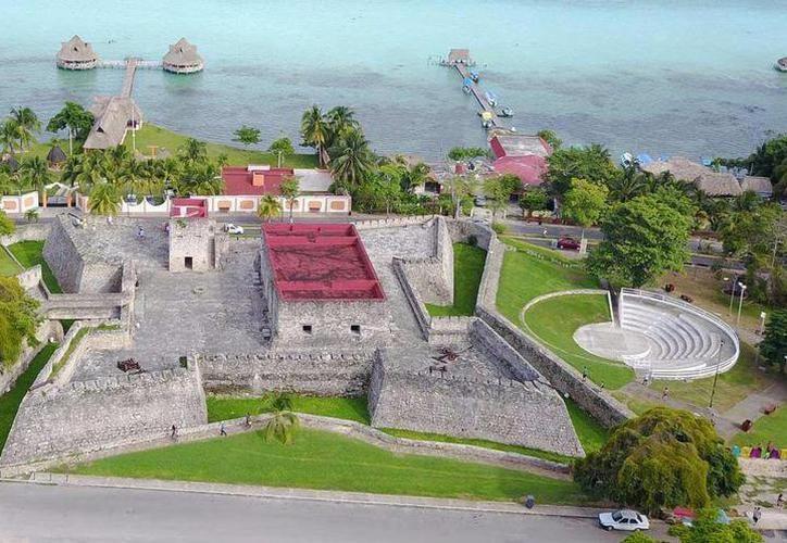 El proyecto de video mapping se instalará en El Fuerte de Bacalar. (Javier Ortiz/SIPSE)