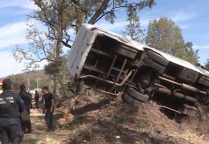 Diez de los 20 custodios del penal de Mil Cumbres en Michoacán sufrieron lesiones leves. (Excélsior)