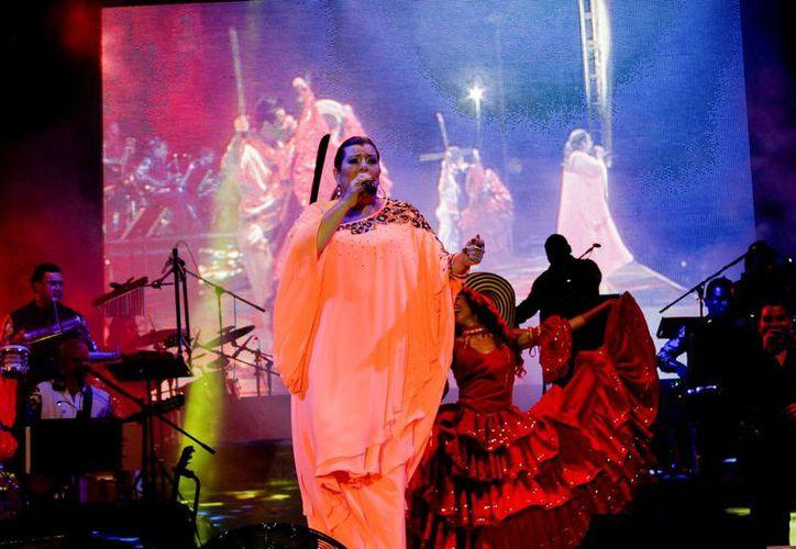 El concierto inició pasada la medianoche. (Francisco Gálvez/SIPSE)